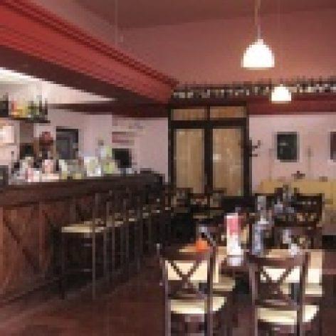 Aredo kávézó és étterem