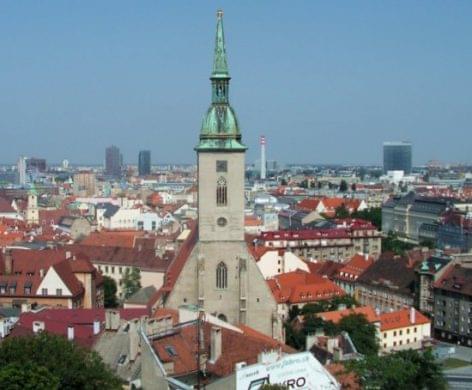 Szlovákiában majdnem minden üzletet bezárnak