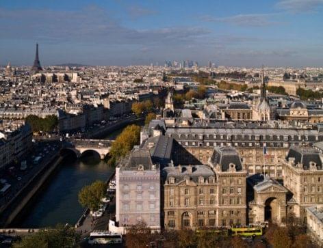 Franciaországban enyhültek a vasárnapi zárva tartás szabályai