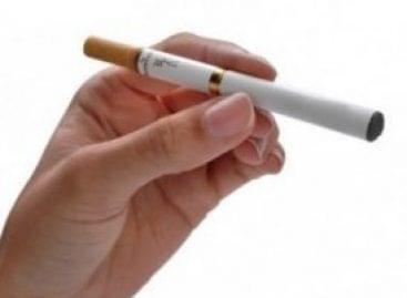 Nem csak dohányboltok árusíthatnak elektromos cigarettát a jövőben