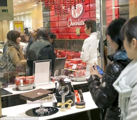 Kit Kat csokoladezo nyilt Tokioban 1