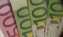 Stabilan nőtt a kiskereskedelmi forgalom júniusban az euróövezetben