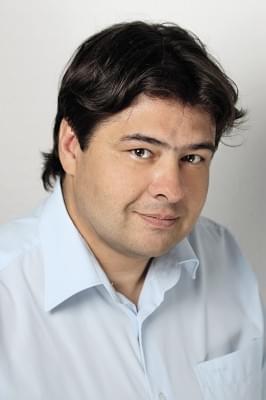 Avramucz Attila vállalati kapcsolatokért felelős vezető Univer Product