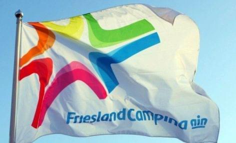 100%-ban újrahasznosított PET-palackok a FrieslandCampinától