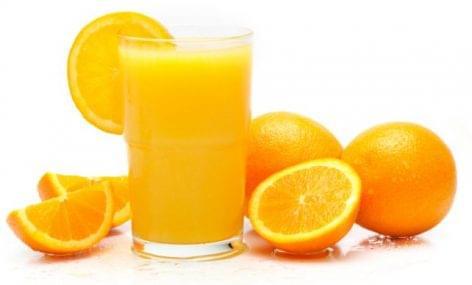 Nébih: megfeleltek az előírásoknak a frissen facsart narancslevek