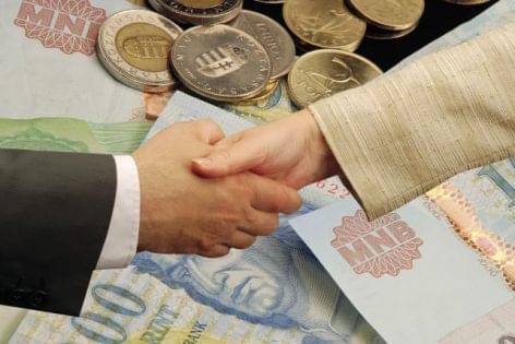 Jelentősen csökkent a régióban a nem teljesítő hitelek állománya