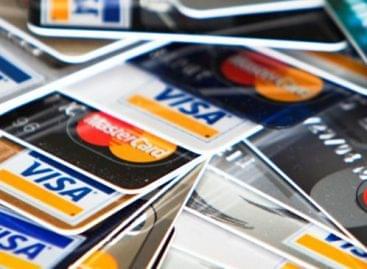 NGM: folytatja a kormány a bankkártya-elfogadóhelyek számának bővítését célzó programját