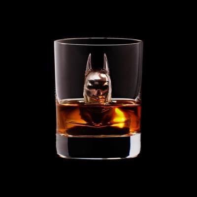 Mindent elnyel a whisky - A nap kepe 10