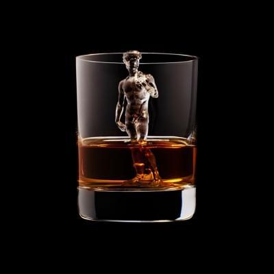Mindent elnyel a whisky - A nap kepe 12