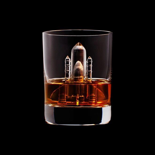 Mindent elnyel a whisky - A nap kepe 13