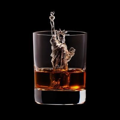 Mindent elnyel a whisky - A nap kepe 2