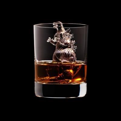 Mindent elnyel a whisky - A nap kepe 3