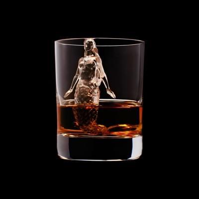 Mindent elnyel a whisky - A nap kepe 4