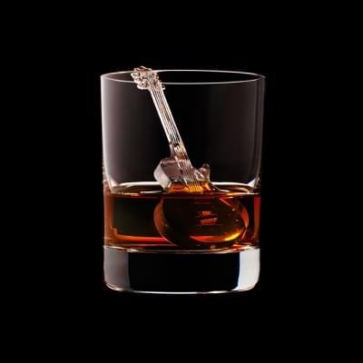 Mindent elnyel a whisky - A nap kepe 9