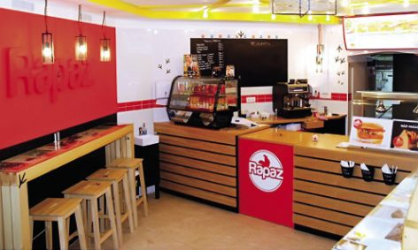 Rapaz, az új magyar gyorsétterem – szín a szürkében