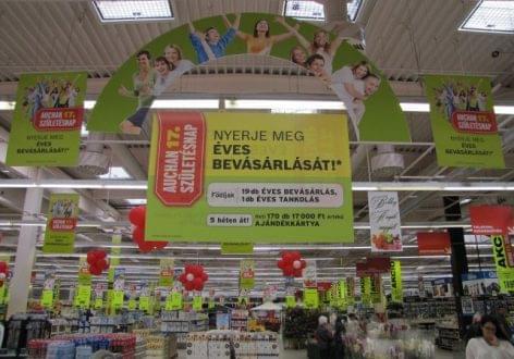 Sok száz nyereménnyel lepi meg vásárlóit a 17 éves Auchan Magyarország