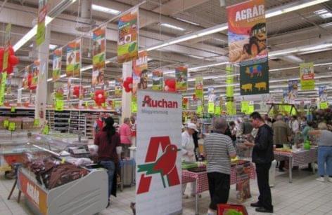 Friss gyümölccsel és 10 millió bizalomponttal támogatja a mentősöket az Auchan