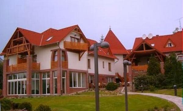 kardosfa hotel