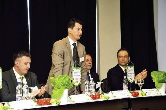 Balról jobbra: Győrffy Balázs (NAK, elnök) Kis Miklós Zsolt (államtitkár, FM), Czerván György (államtitkár, FM) és Rácz József (Kert-Ész Klub Magyarország Egyesület, elnök)