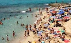 Felmérés: az EU polgárainak közel 30 százaléka nem engedheti meg magának a nyaralást