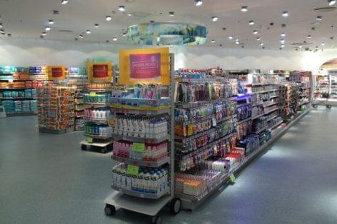 Az élelmiszerek drágulása lehúzza a boltos mérleget