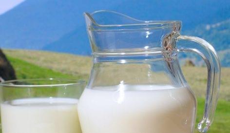 Csökkenő tejáfát és növekvő népegészségügyi termékadót javasol jövőre a pénzügyminisztérium