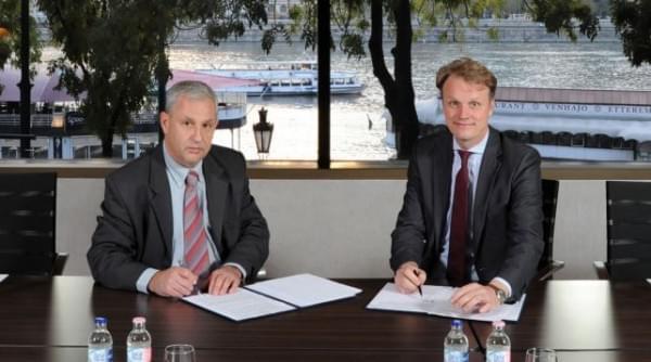 Takacs Geza VSZT elnök (bal) Michal Keller ISF fotitkar