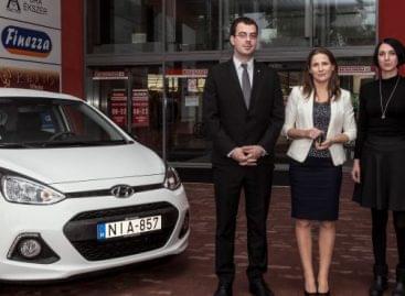 Fabulous triple: SPAR's customer returned home with a car