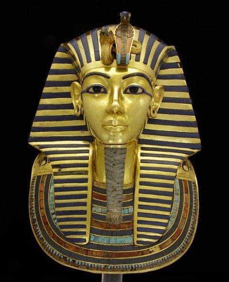 Tutanhamon maszkját Henkel-ragasztó tartja össze