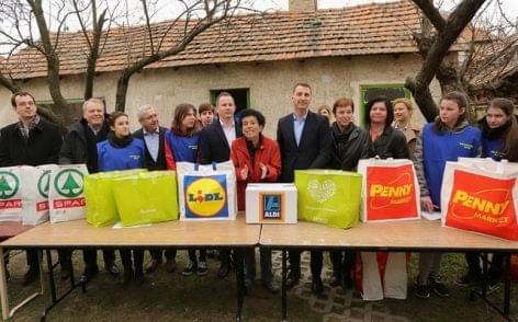 Az ALDI, Auchan, Lidl, Penny Market, SPAR és Tesco együtt segít a rászoruló gyermekeken