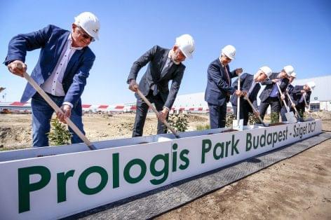 A Prologis letette új, 21.000 négyzetméteres spekulatív épületének alapkövét  a Prologis Park Budapest-Szigeten