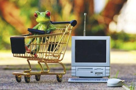A magyarok az európai átlagnál háromszor könnyebben beletörődnek a weben rendelt áruk hibáiba