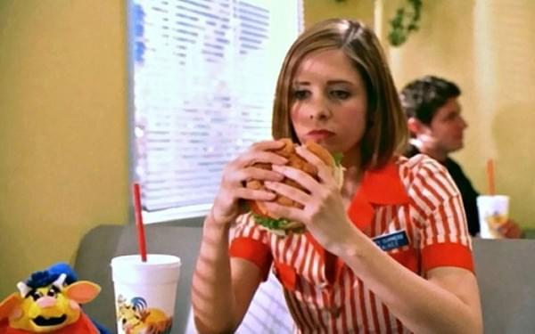 A szep no es a hamburger - A nap kepe 13