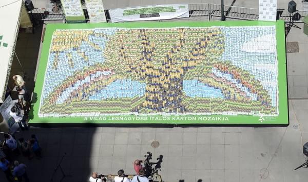 A világ italos kartonokból álló legnagyobb mozaikja készül