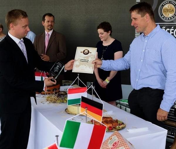 Nemzetek Sajtversenye - 1. dij magyar