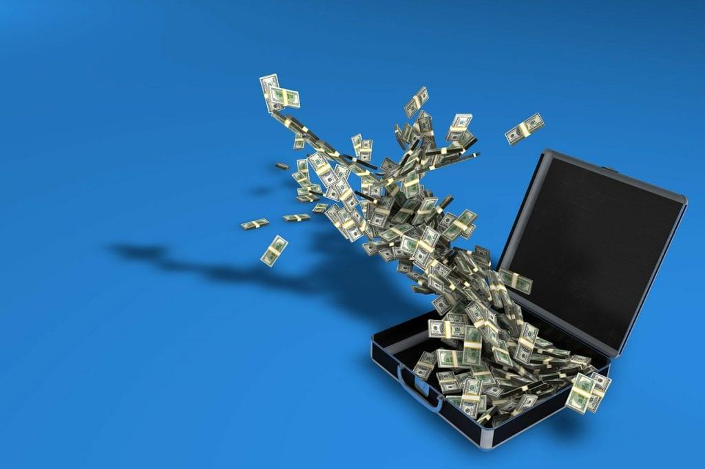 pénz money-case-163495_1280
