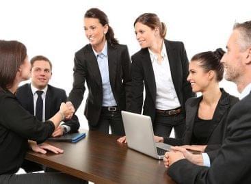 Augusztusban 6,7 százalékkal csökkent az álláskeresők száma