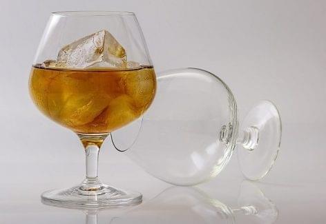 A Gyulai Pálinkafesztiválra készül el a Kárpát-medencei nemzeti összetartozás itala