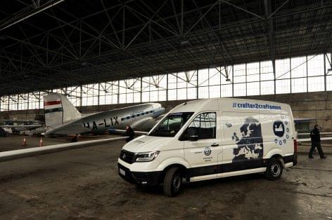 Budapestre érkezett földkörüli útján az új Volkswagen Crafter