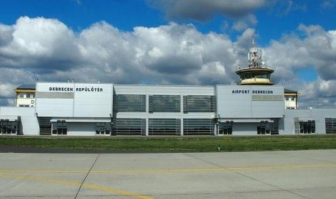 Rendszeres áruszállítást tervez a két nagy vidéki reptér