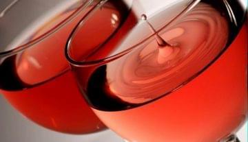 Neves pincészetek borai és gasztronómiai újdonságok a Rozé Fesztiválon
