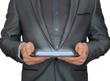 Átrendeződő informatikai piac