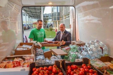Több mint egy tonna élelmiszer gyűlt össze jótékony célra az OMÉK-on