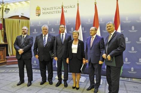 COOP leaders receive the Hungarian Gold Cross of Merit
