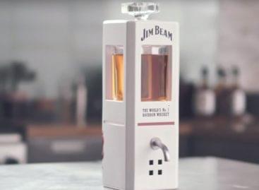 Szemtelen whisky-decanter – A nap videója