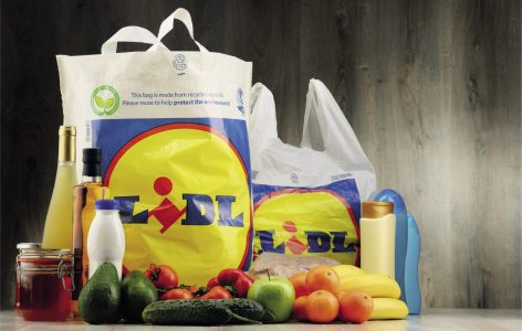 Fokozatosan eltűnik a felesleges műanyag a Lidl saját márkás termékeiről