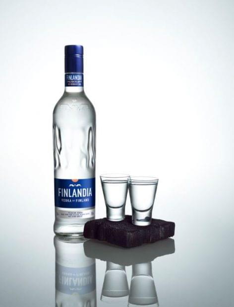Nagyon cool a vodka új palackja