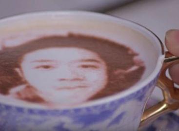 Egy kávéból két szelfi – A nap videója