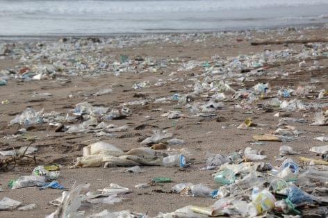 Fejtörést okoz a sokasodó műanyag hulladék