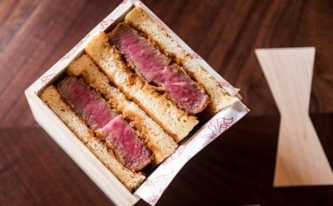 Ötvenezer forintos szendvicseket árul az amerikai étterem